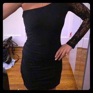 Body con one shoulder lace sleeve dress